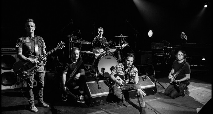 Pearl Jam   photo by Danny Clinch